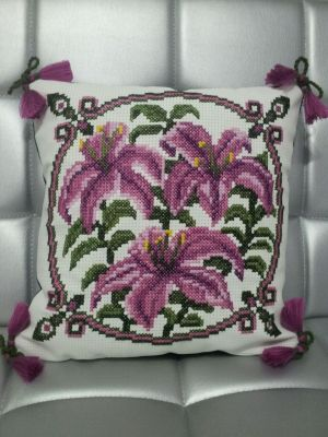 Photo of cross-stitch pillows Lilys, created by the program 'Bead-n-Stitch'.